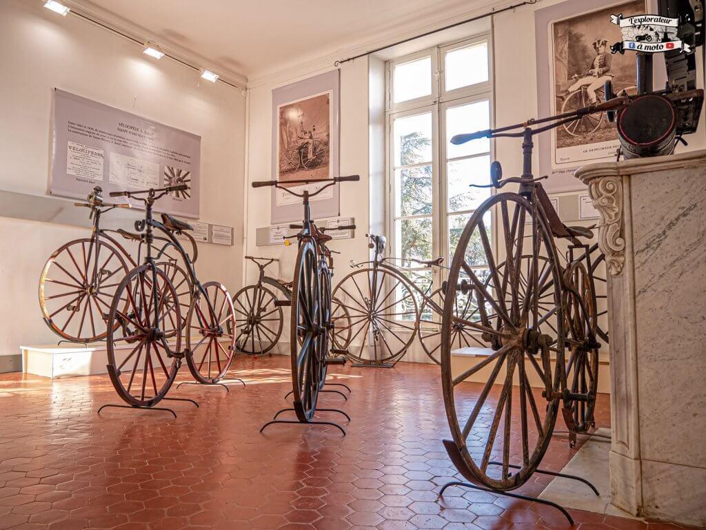 Vélocipèdes, Chateau de Bosc - lexplorateuramoto.com