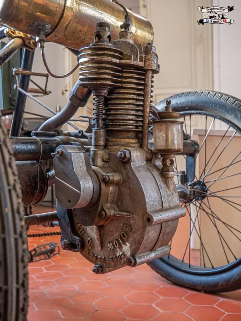 Tricycle Automoto, Château de Bosc 03 -lexplorateuramoto.com