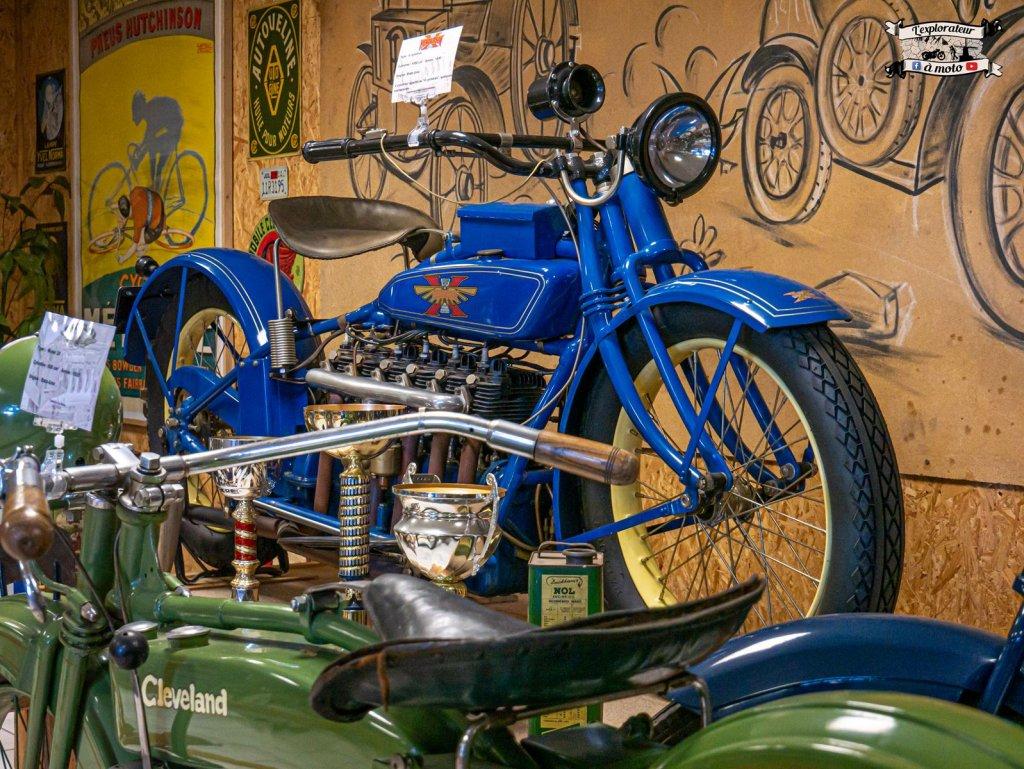 Henderson 6 cylinders 05 - lexplorateuramoto.com
