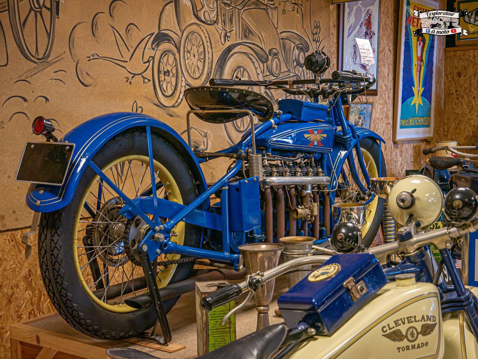 Henderson 6 cylinders 03 - lexplorateuramoto.com